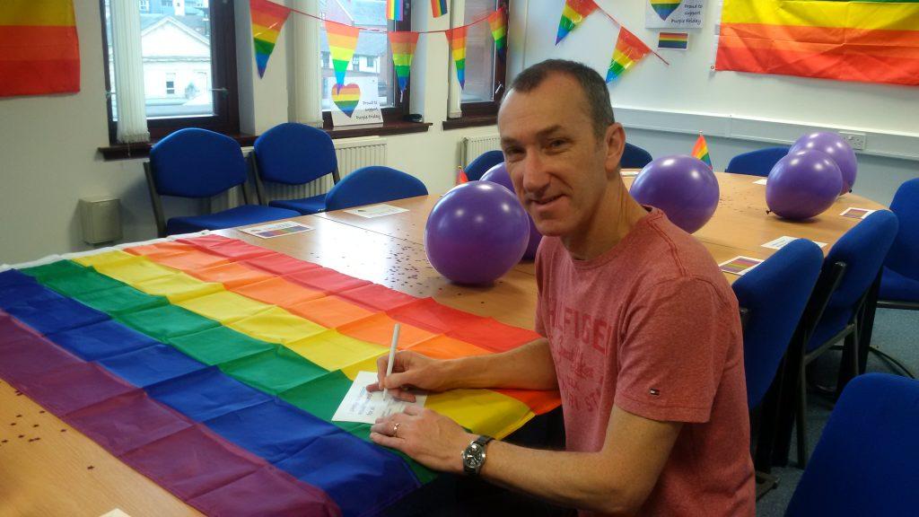 Alistair signing pledge (2)